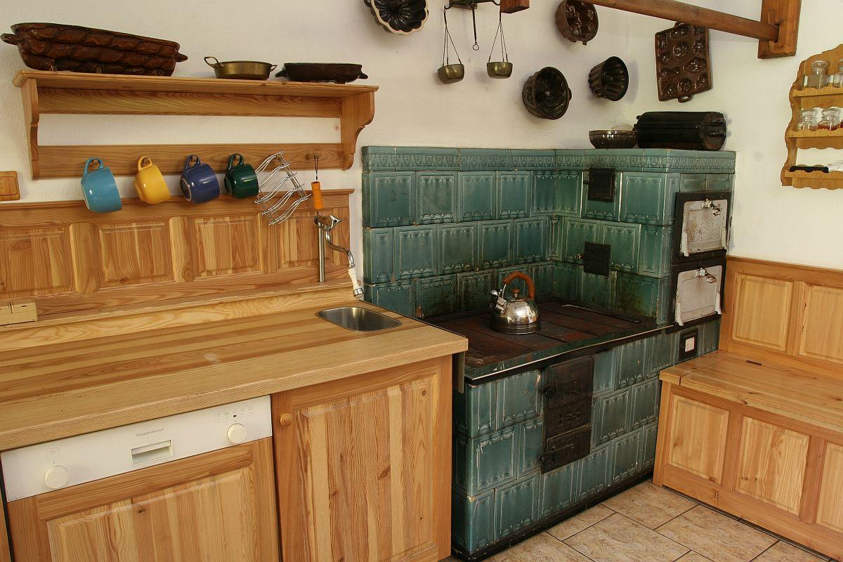 Kuchyně - krbová kamna