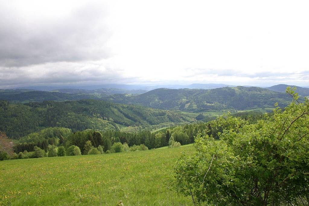 Pohled do údolí při změně počasí