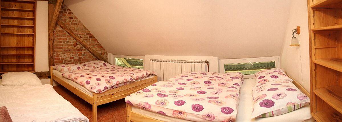 interiér - patro / Pokoj D - širokúhlý pohled